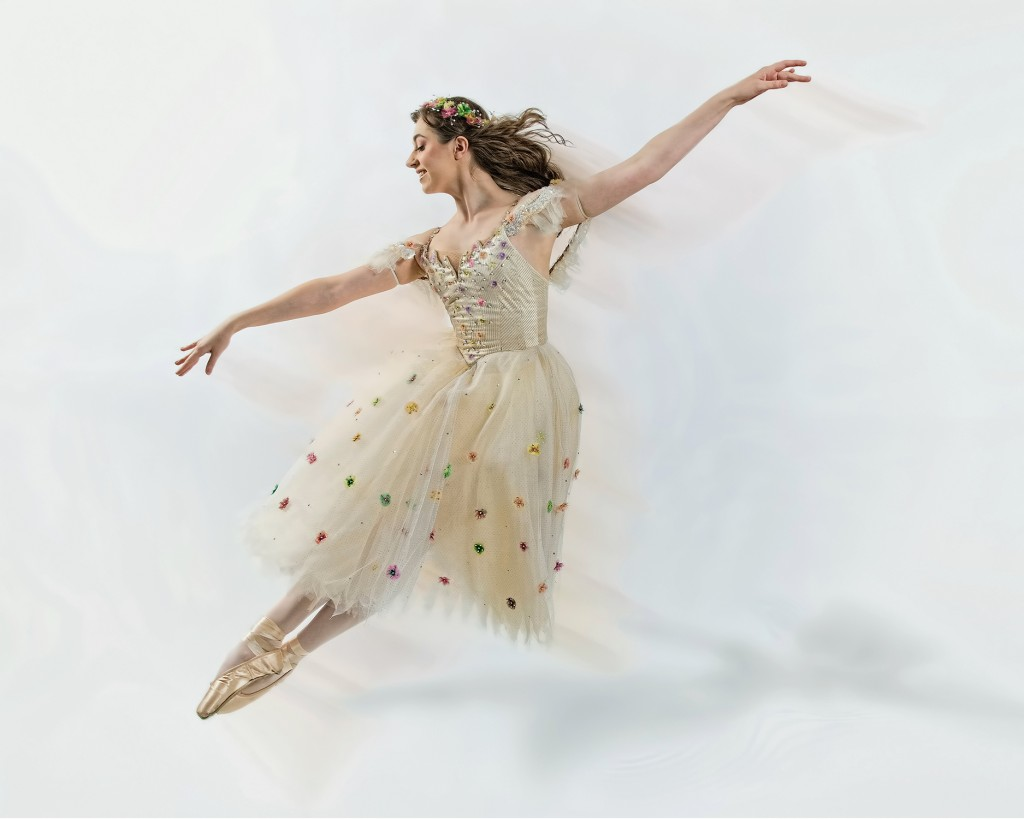 Katey Konderik, formerly of Center Dance Ensemble.  Photo by Allen Patrou, APatrou Photograpy